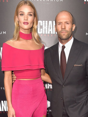 "Statham & Fiance Stun at ""Mechanic: Resurrection"" Premiere"