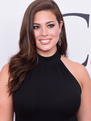 Ashley Graham Debuts Sexy Bob -- See Her Edgy New Look!