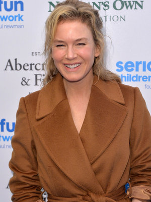 "Renee Zellweger Says She Avoids Negativity: ""If I'm Not Aware Of It, Then It's Not Real"""