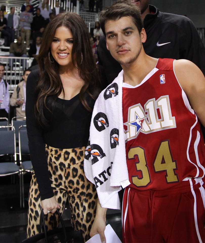 Rob FINALLY Attempts to Patch Things Up with Khloe