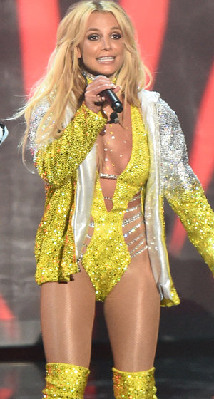 Did Britney Spears Redeem Herself at the 2016 MTV VMAs After 2007 Disaster?
