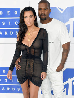 Kim Kardashian's MTV VMA Look Is The Definition of 'Dressy Sexy'