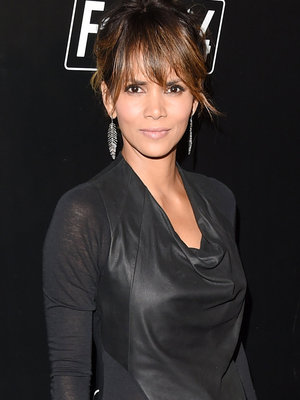 Halle Berry's Body Is UNREAL In Newest Beach Selfie
