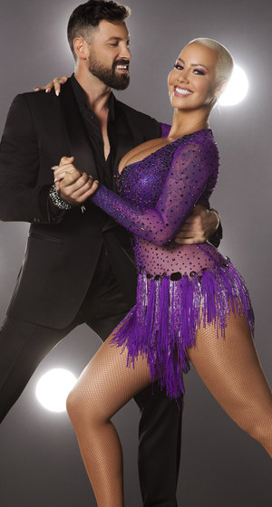 """Amber Rose Squeezes Into Sequins In """"DWTS"""" Promo Pic"""